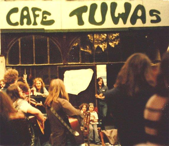 Café Tuwas